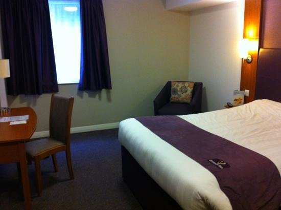 Premier Inn London City (Old Street) Hotel: premier inn room