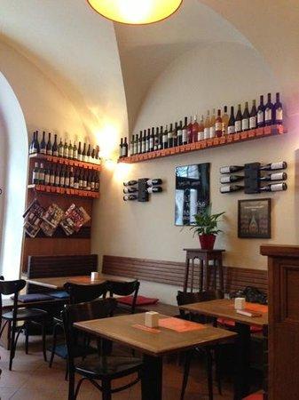 Vinograf  Wine Bar: wine