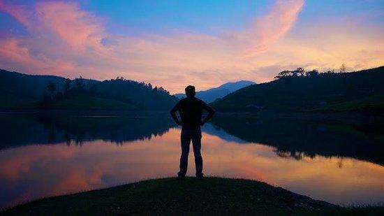 Theni, India: beautiful sunset at Megamali