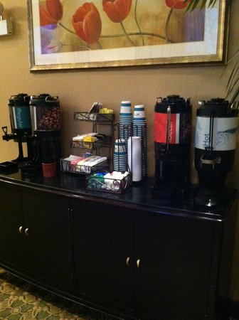 Homewood Suites by Hilton Chicago Downtown: Coffee 24/7
