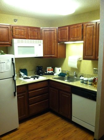 Homewood Suites by Hilton Chicago Downtown: Kitchenette