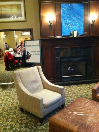 Homewood Suites by Hilton Chicago-Downtown: Lobby and Breakfast