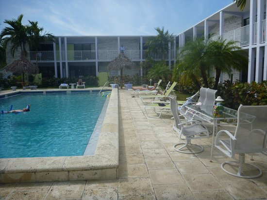 South Beach Place: The chilled out pool scene