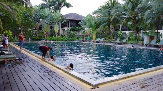 Royal River Kwai Resort & Spa: Pool