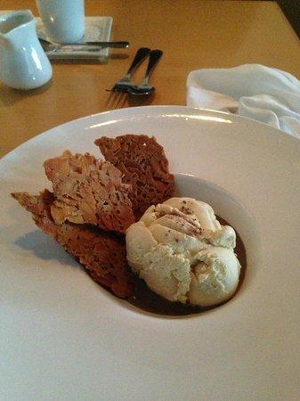 Bravo Bravo Restaurant: Affogato Dessert!