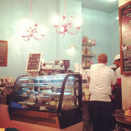 Cafe Sweet Dreams: Inside