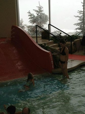 Mountain Lodge Condos: Indoor Pool and view