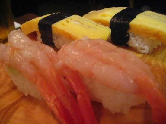 Sushi Waka: Sweet prawn and omelette (tamago) nigiri