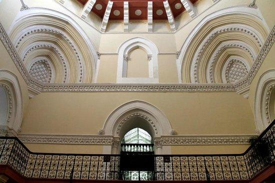 The Taj Mahal Palace, Mumbai: Beautiful recessed arches dot the grand staircase at the Taj Mahal Palace
