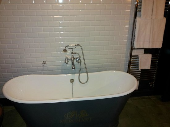 Merchant Hotel: The bath tub