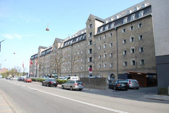 Copenhagen Admiral Hotel: Straatzijde Admiral Hotel