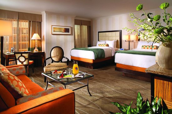 The Fairmont Dallas: Fairmont Gold Junior Suite