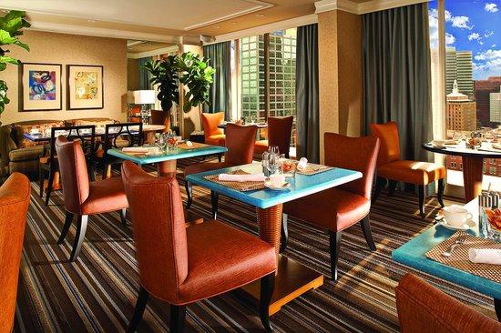 The Fairmont Dallas: Fairmont Gold Lounge
