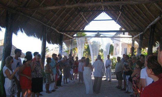 Balamku Inn on the Beach: wedding chapel