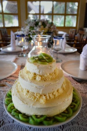Balamku Inn on the Beach: wedding cake