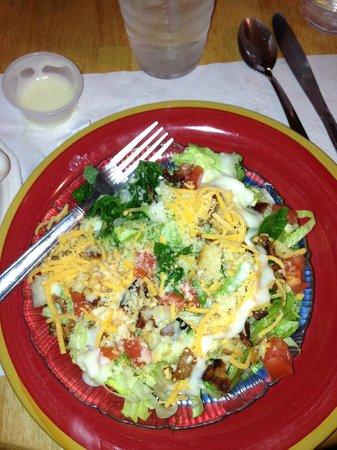 Chapmanville, Virginia Occidentale: Cornbread Salad