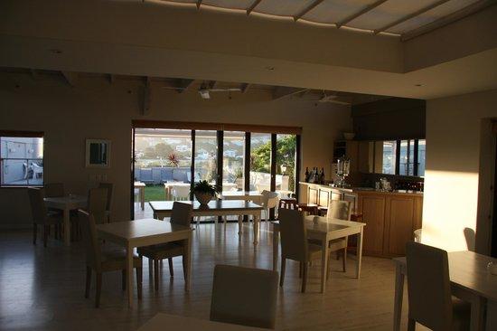 The Robberg Beach Lodge: Breakfast