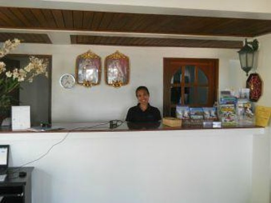 Thai Kamala Village: Friendly receptionist Jong