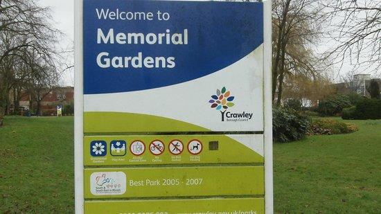 Crawley Memorial Gardens: Sign