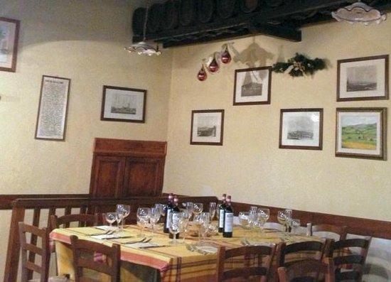 Fattoria Montagliari: un tavolo apparecchiato per 'le feste'