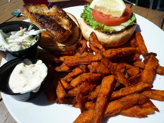 Boatyard Waterfront Bar and Grill: Grouper sandwich