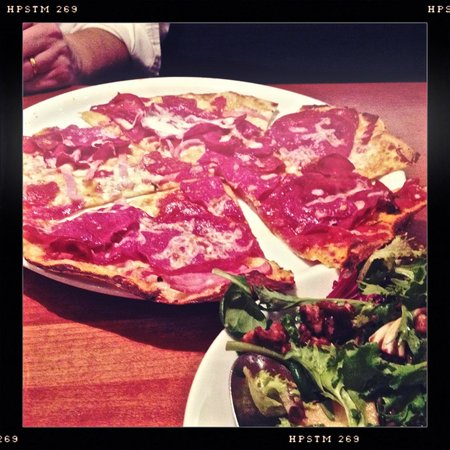 California Pizza Kitchen, Los Angeles - 735 S Figueroa St ...
