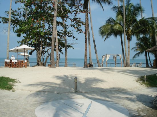 Nikki Beach Resort Koh Samui: Guest beach area