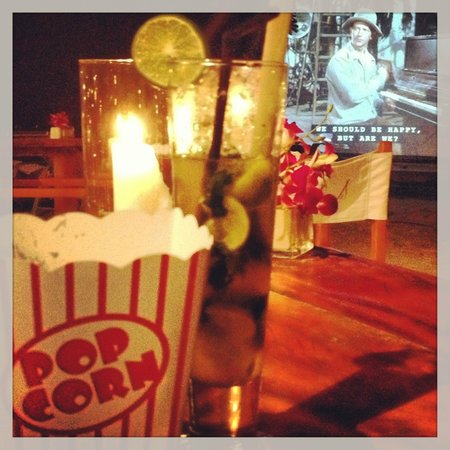 Nikki Beach Resort Koh Samui: Popcorn and Mojito while watching movie