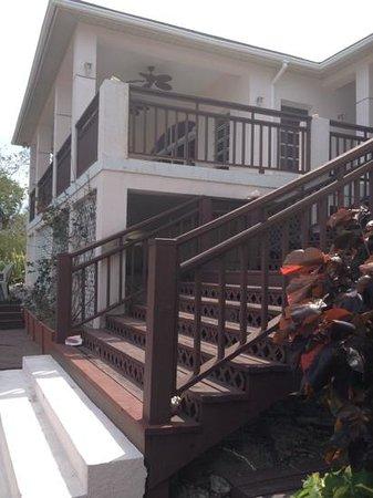 Coral Gardens: scalinata per gli appartamenti