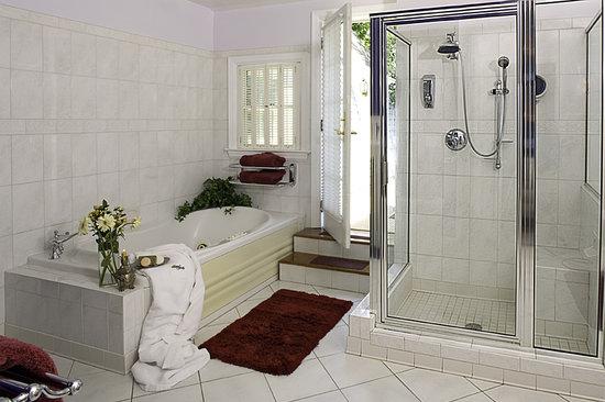 Annapolis Royal Folly : Queen's Bath