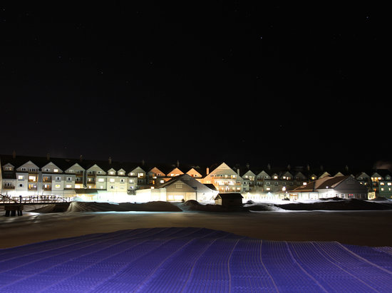 Killington Grand Resort Hotel: Night shot