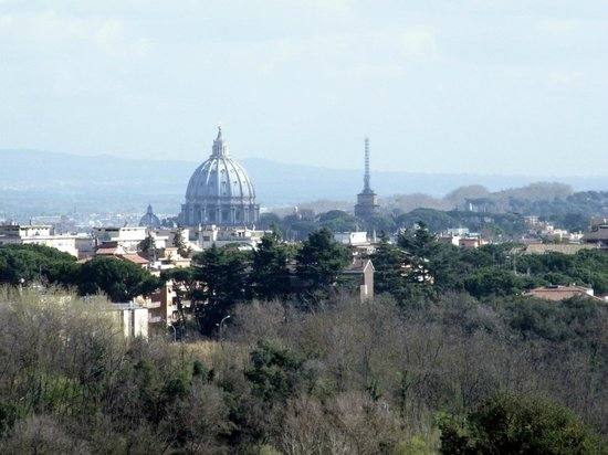 Courtyard by Marriott Rome Central Park: La cupola di San Pietro dalla camera
