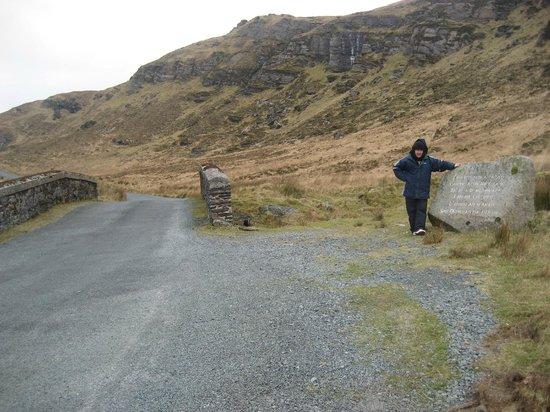 Donegal Town, Irlanda: Tony at the Bridge of Sorrows