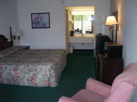 Palms Inn & Suites: Bedroom