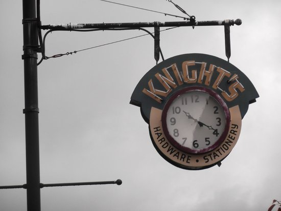 Ladysmith Museum: Town's Attraction - Knights Clock