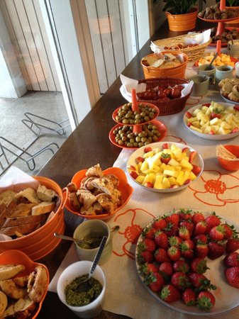 Guesthouse Stay Akranes: Brunch at Birta Guesthouse