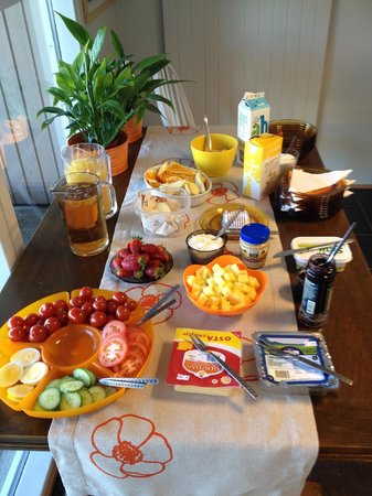 Guesthouse Stay Akranes: Breakfast at Birta Guesthouse