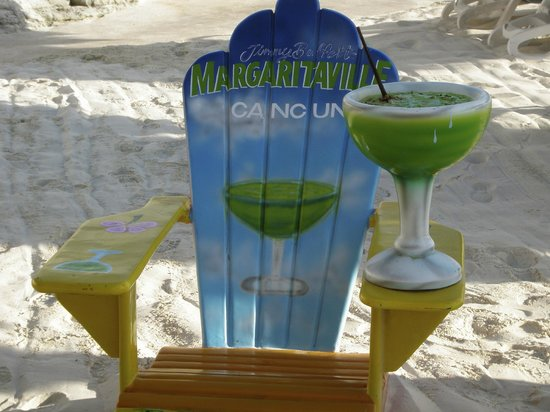 Golden Parnassus All Inclusive Resort & Spa Cancun: Great chair for some pictures