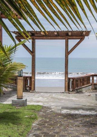 Hosteria El Rampiral: La playa