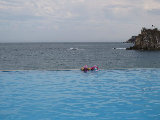Dreams Huatulco Resort & Spa: One of the pools