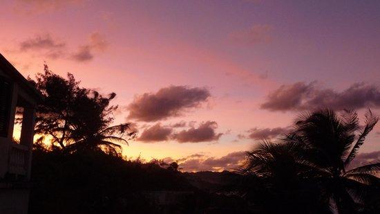 روند هاوس: Sunset from the terrace
