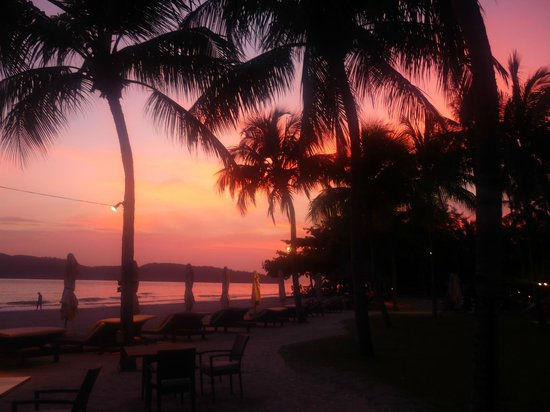Casa del Mar, Langkawi: Stunning sunset over the beach