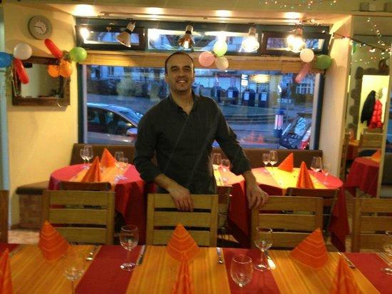 Pizzeria Trattoria Da Michele: Gastgeber Michele