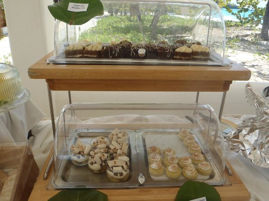 Spice Island Beach Resort: The Sunday buffet dessert selection.