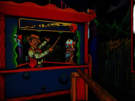 Circus Golf : greeter