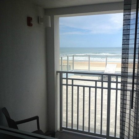 Lotus Boutique Inn & Suites Daytona Beach / Ormond Beach: View from the oceanfront king room!