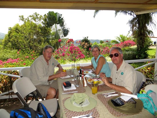 Pura Vida Gardens and Waterfalls: Pura Vida Garden lunch break