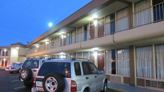 Americas Best Value Inn Nashville/South: exterior.. forgot to shoot an interior