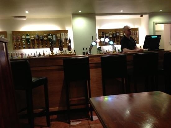 Ben Macduis Inn : Bar