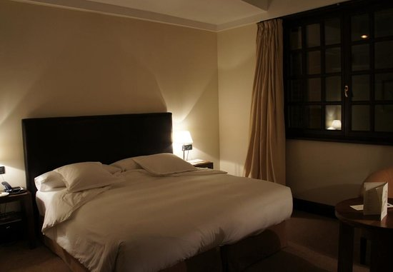 Hotel Villa Soro: comfy bed room 202